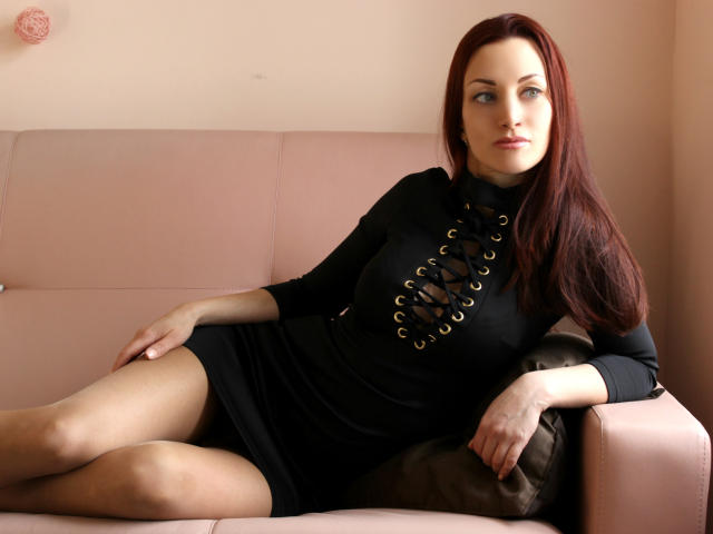 An Interview with a Cam Model - Alice-job-camgirl-2