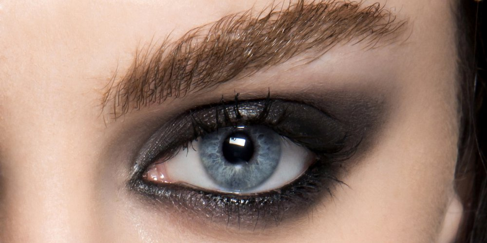 smoky-eye-Successful sexy photos for your promo- make-up-job-camgirl